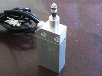 供应江西南昌微位移传感器GSW-D-10mm线长2米带轴承