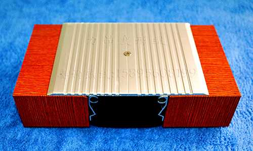 金属盖板型楼地面变形缝