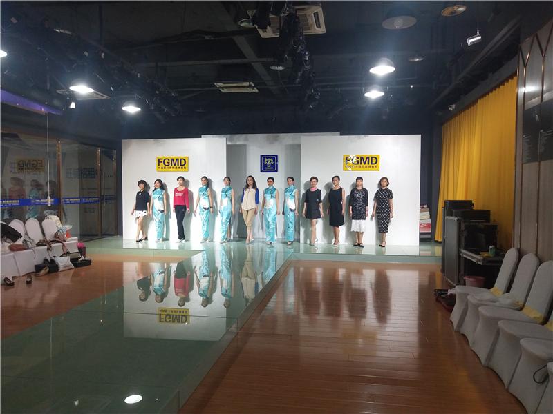 FGMD超模学院——南京风采模特培训班(青中老年)
