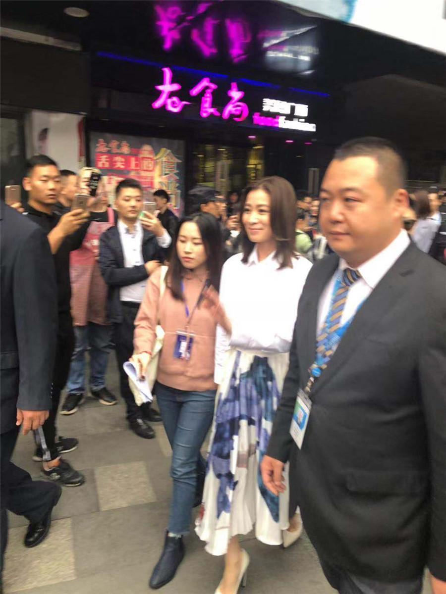 佘诗曼代言海飞丝活动——正洪广场活动
