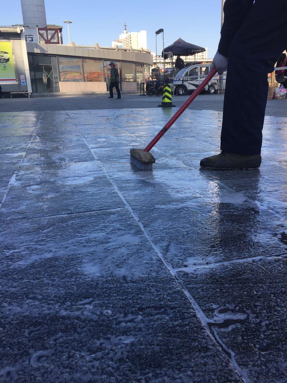 瑞昂博广场石材清洗