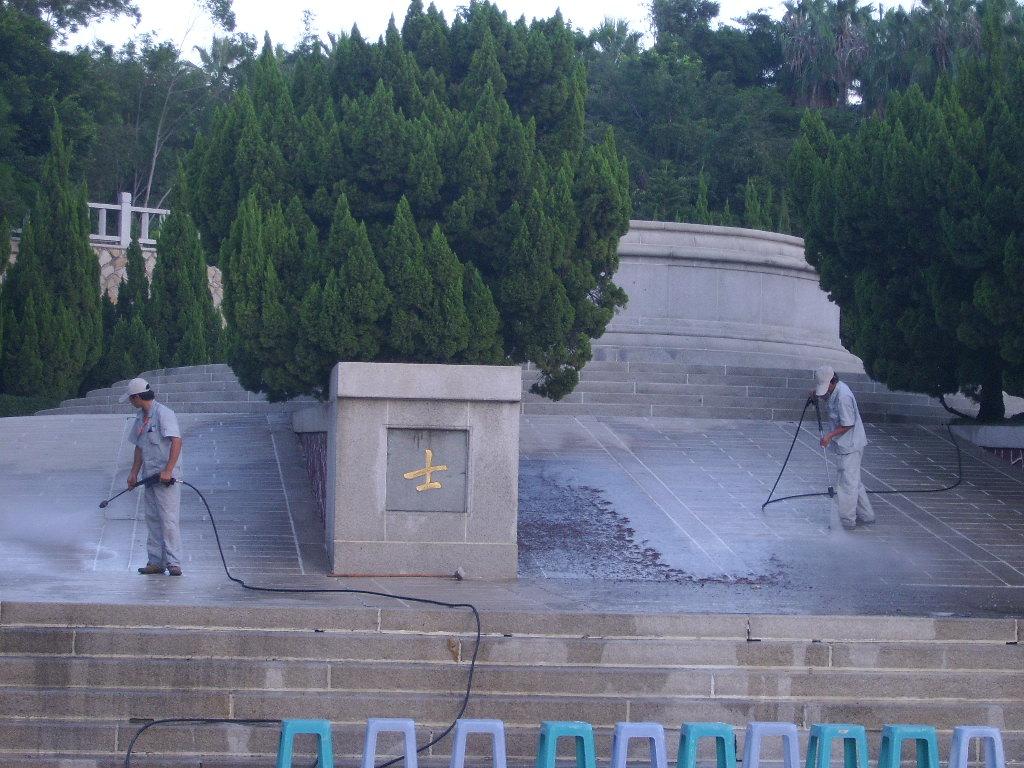 对厦门烈士陵园进行清洗维护--北京瑞昂博保洁公司