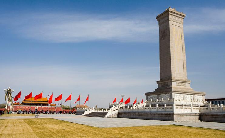 """人民英雄纪念碑""""整妆""""迎国庆--北京瑞昂博保洁公司"""
