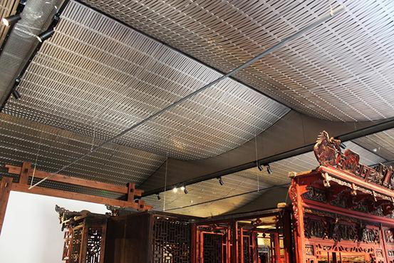上海奇颉品牌的铝天花板,定制造型,车间人员经验丰富,可根据客户要求定制不同类型的金属天花吊顶,铝天花厂家直接采购,铝天花吊顶价格优惠