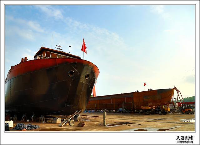 蓬勃发展的河南淮滨造船业