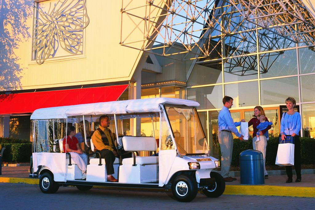 L8 8座电动观光车