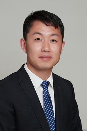 闫国伟 律师