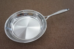 STAINLESS STEEL FLYING PAN