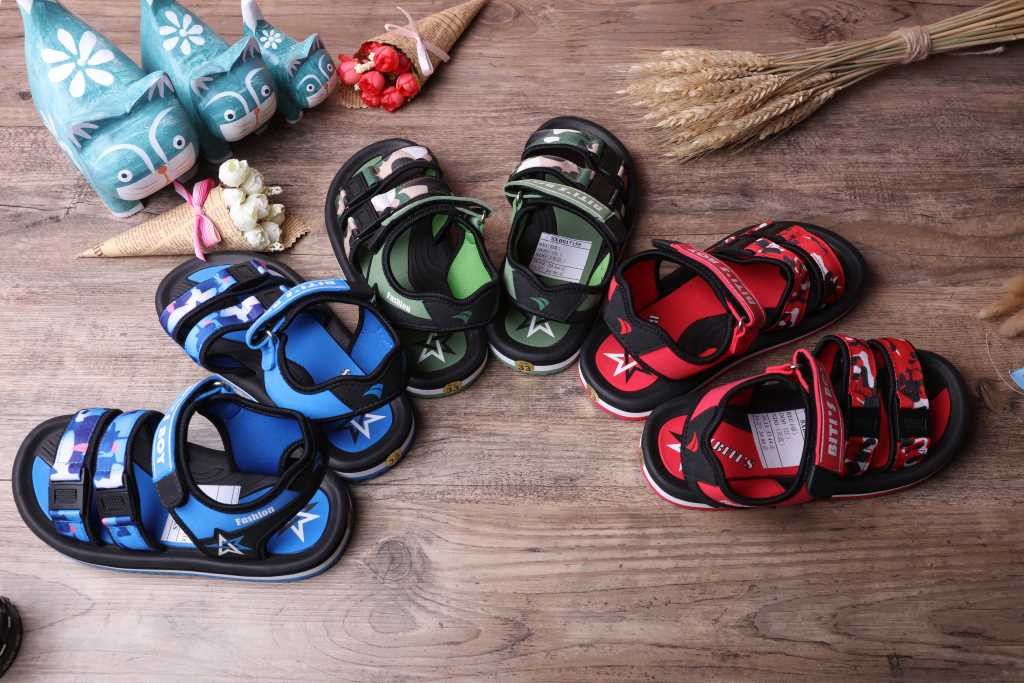 越南平仙新款童凉鞋