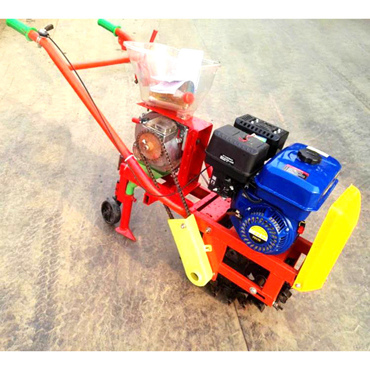 Micro tillage and fertilizer sowing machine