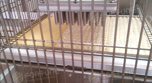 华北某工厂COMAS蛋糕装饰生产线