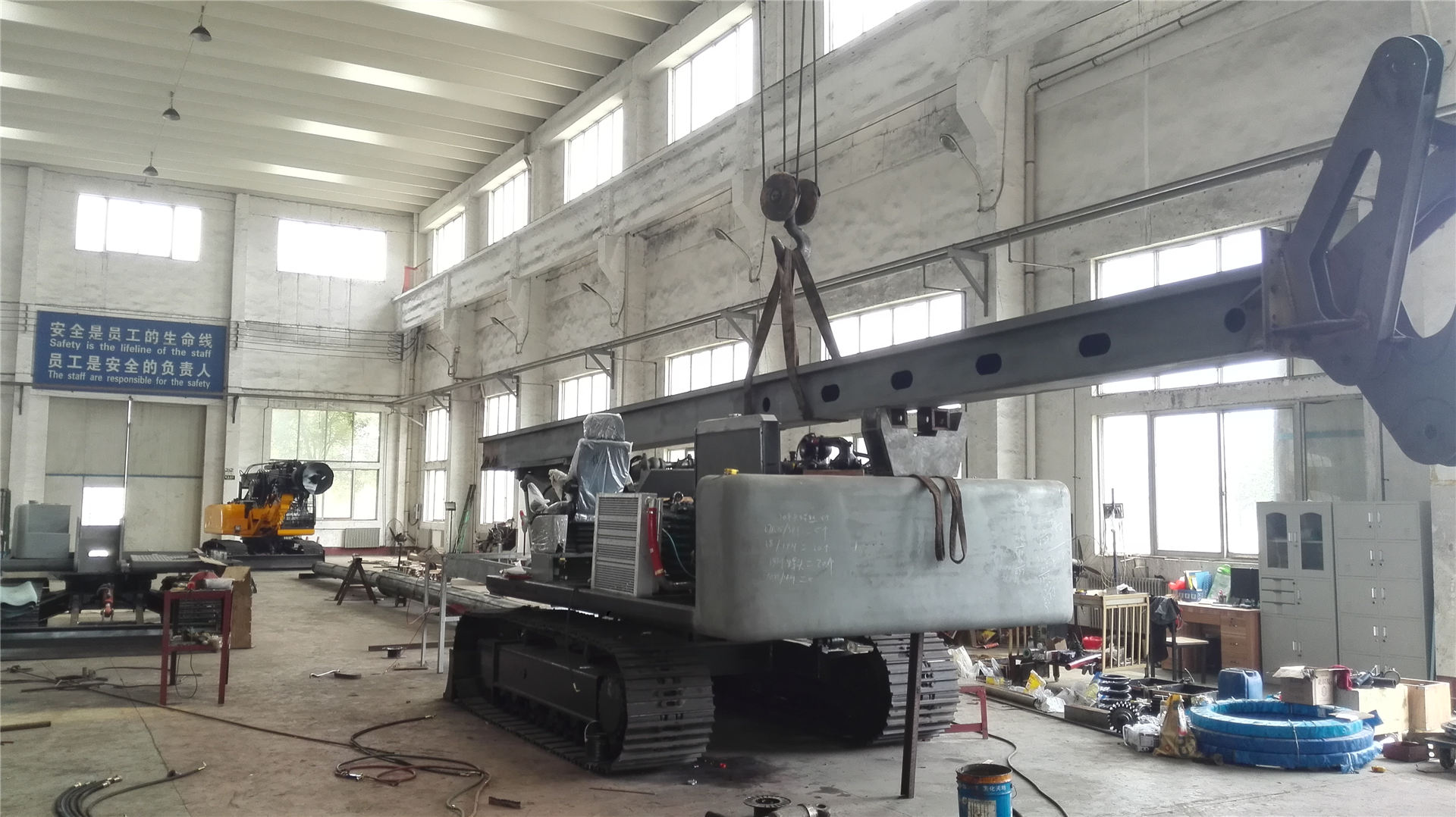 富国旋挖机生产照片2060