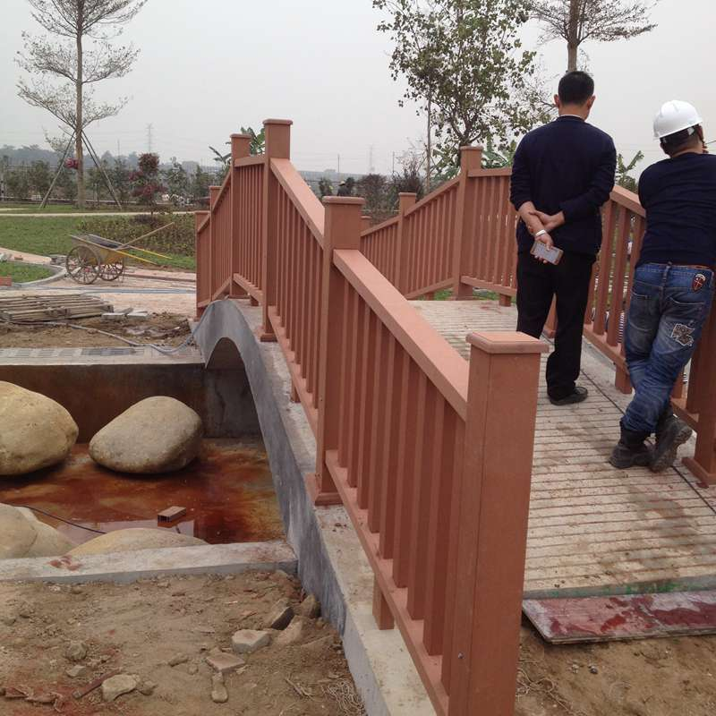 承接工地施工 墙板围栏安装 木塑地板施工 凉亭花架产品 塑木地板pe