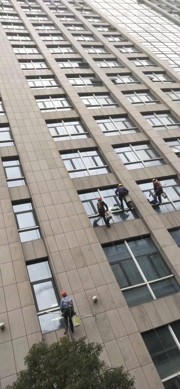 宣城交警指挥中心大楼清洗