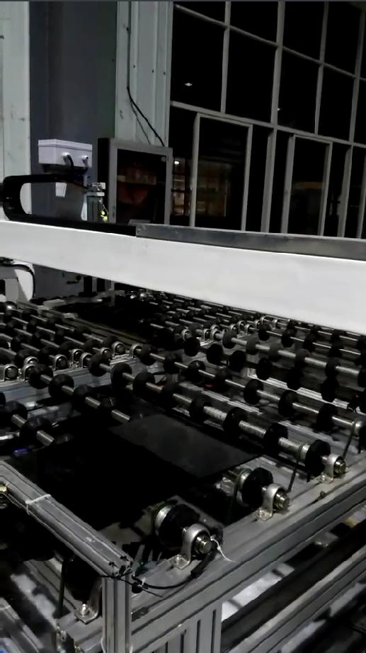 玻璃传输 玻璃连线  双边磨连线 直边磨连线  加工中心连线皮带传输机  自主研发设计