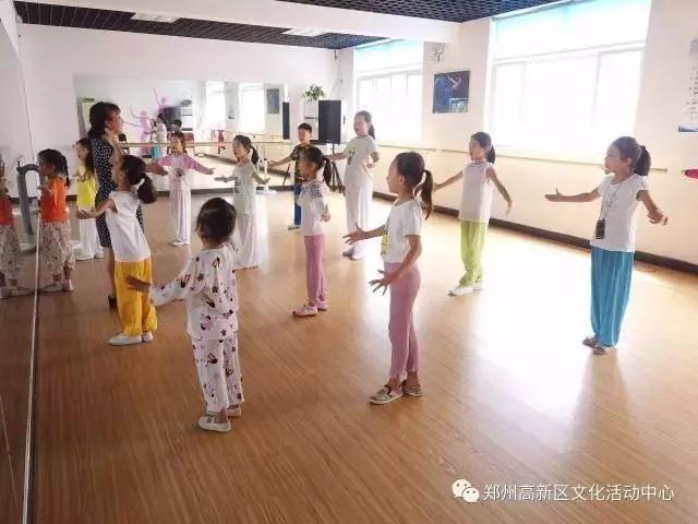 郑州高新区文化馆少儿戏曲第一期培训