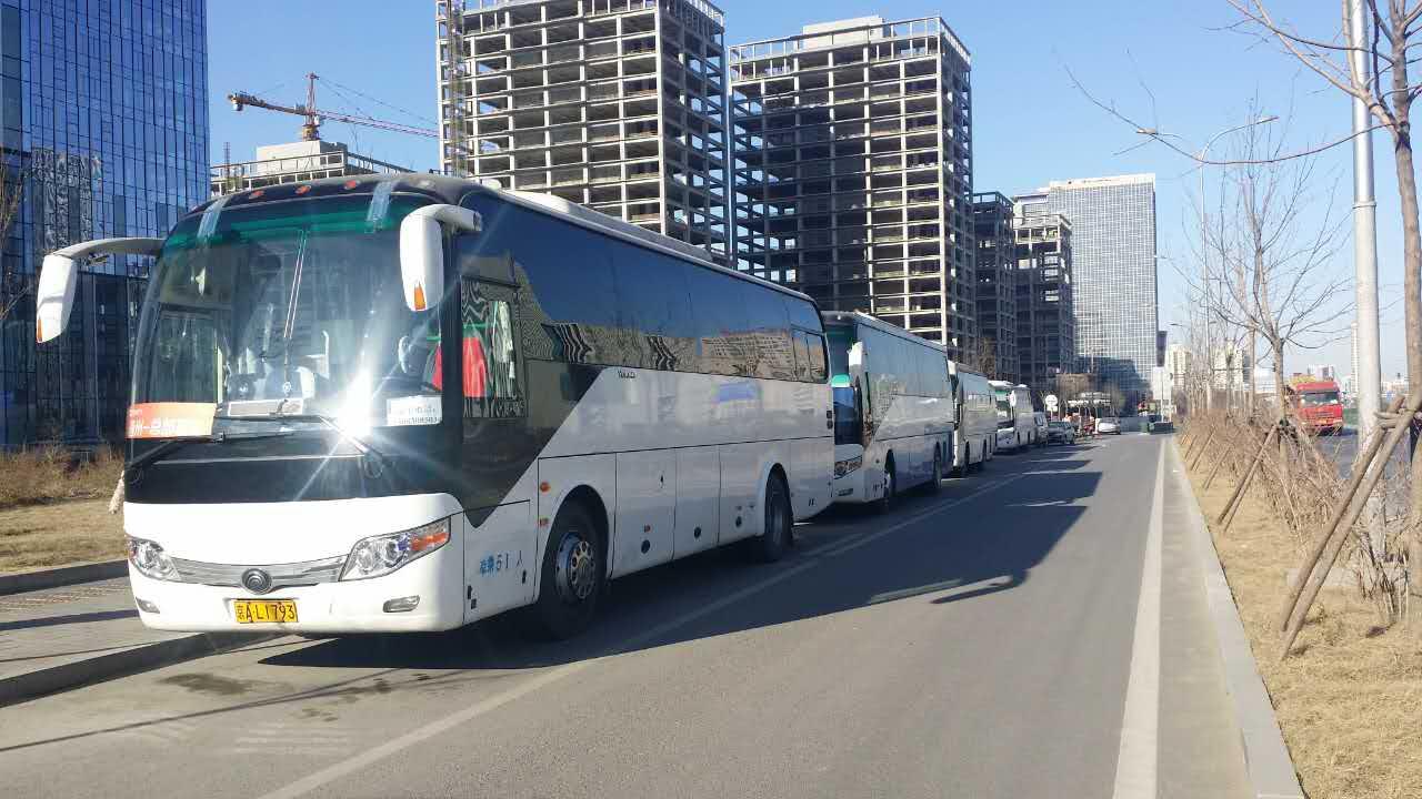 北京班车租赁公司提供的班车,位于丰台区丰台科技园总部基地,是北京租班车行业一到靓丽的风景!