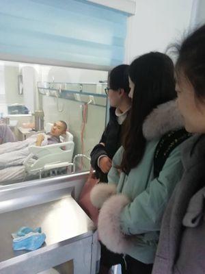 县红十字会到淮安为白血病患者办理救助手续