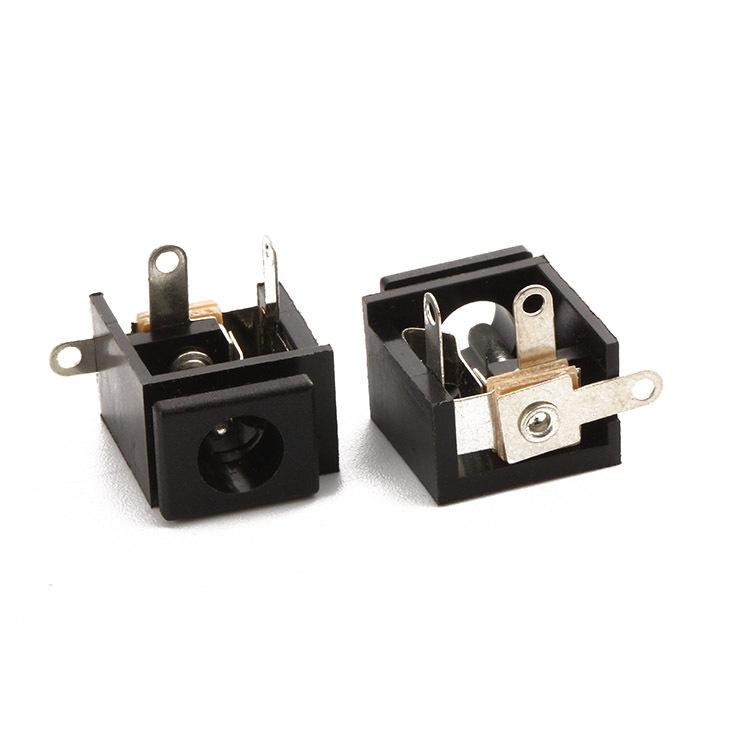 DC009Ф2.0 5.6(15.6*15*9)DC电源插座