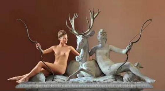 人体与卢浮宫大理石的绝美交融