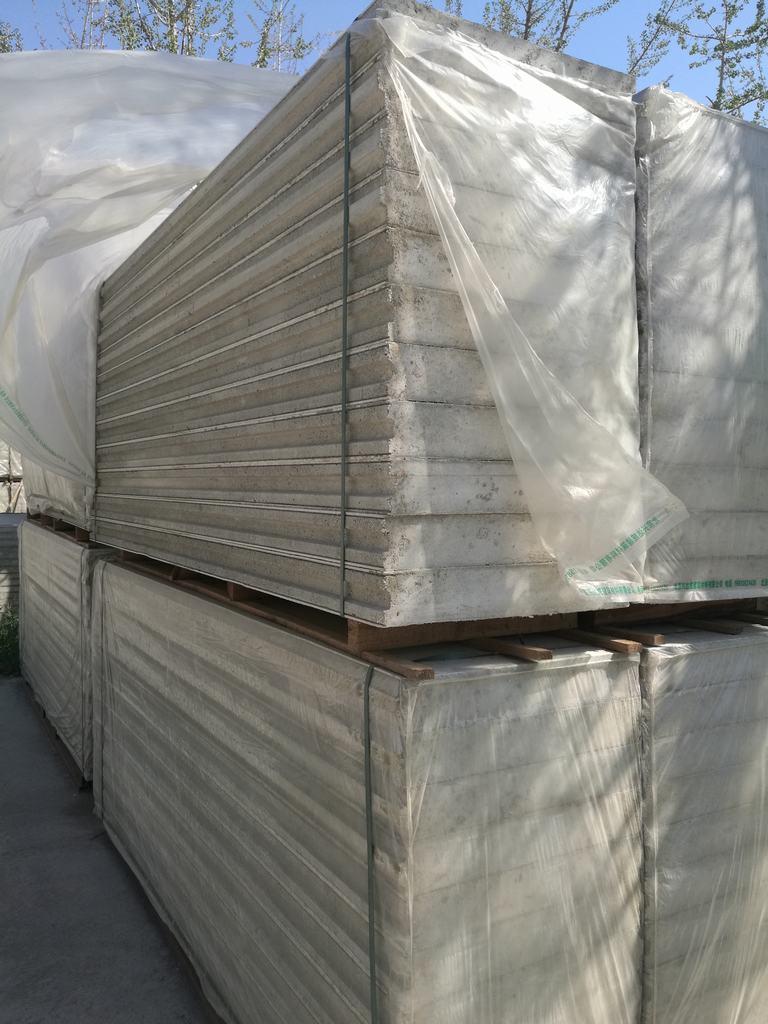 轻质复合墙板(聚苯颗粒复合硅酸钙板)