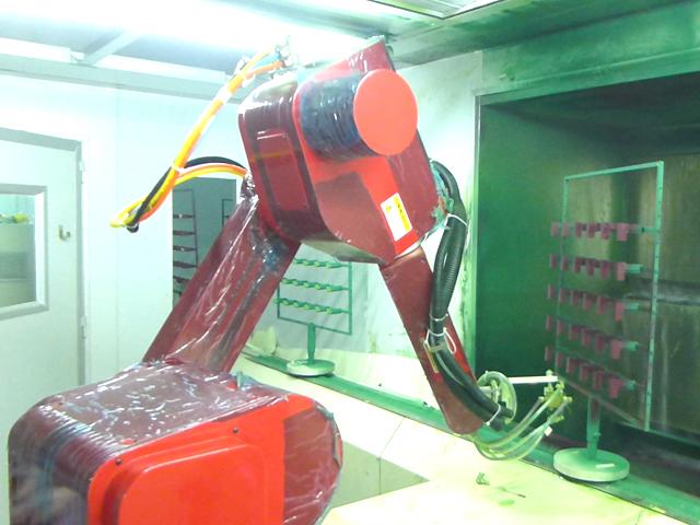 塑胶玩具机器人喷漆