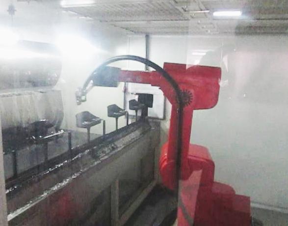 汽车仪表盘机器人喷涂流水线