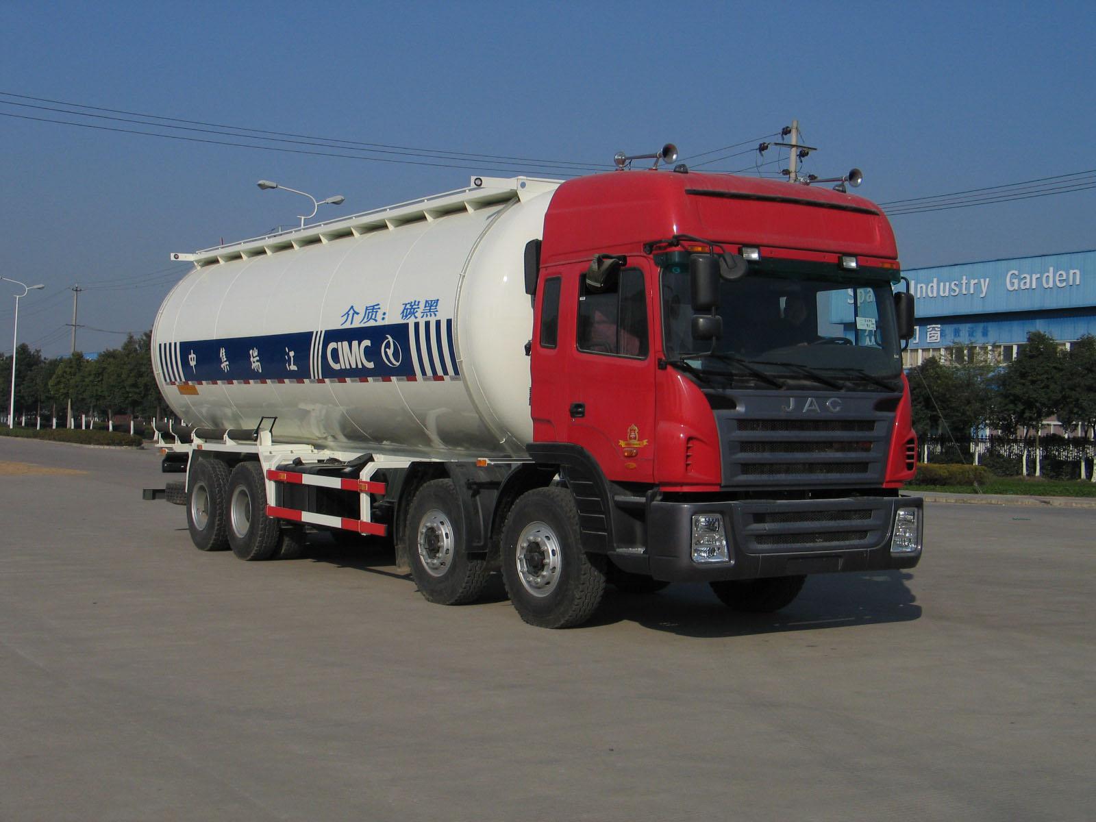 JAC 8-4 Camión Tanque Para Polvo