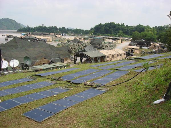 2014-年-为38-军113-师提供光伏太阳能储能电源40-套