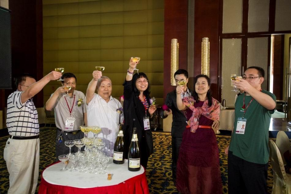 开香槟仪式