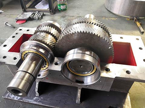 Double Helical Gear Gearbox/ Caja de engranajes helicoidal doble/ Двойной Винтовая передач КПП