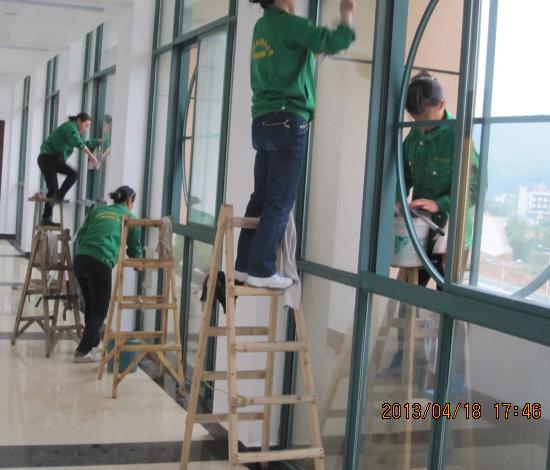 宣城武警支队大楼保洁