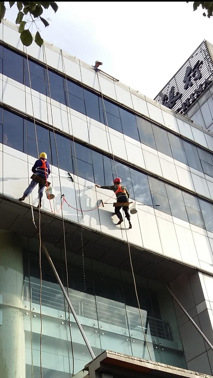 中国银行宣城分行大楼清洗