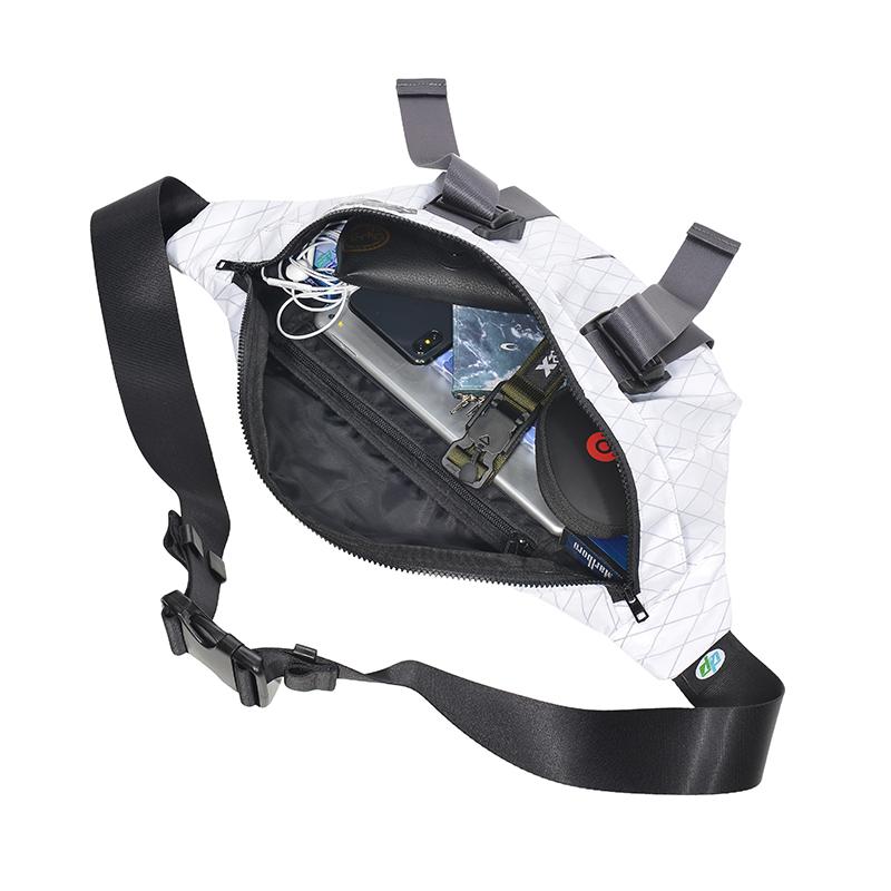 20828# X-PAC 胸包4