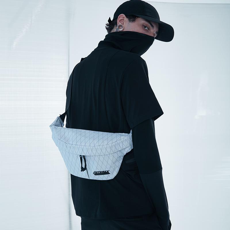 20827# X-PAC 胸包1