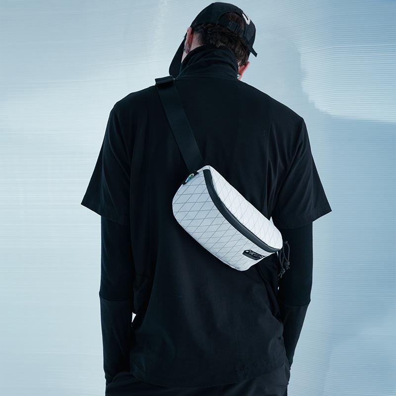 20823# X-PAC 胸包2