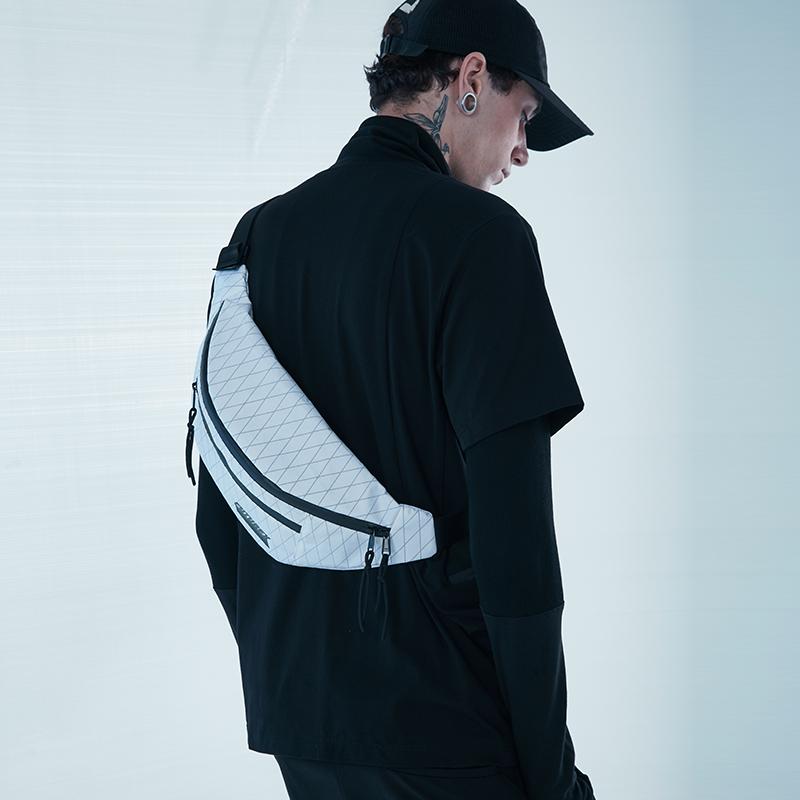 20829# X-PAC 胸包3
