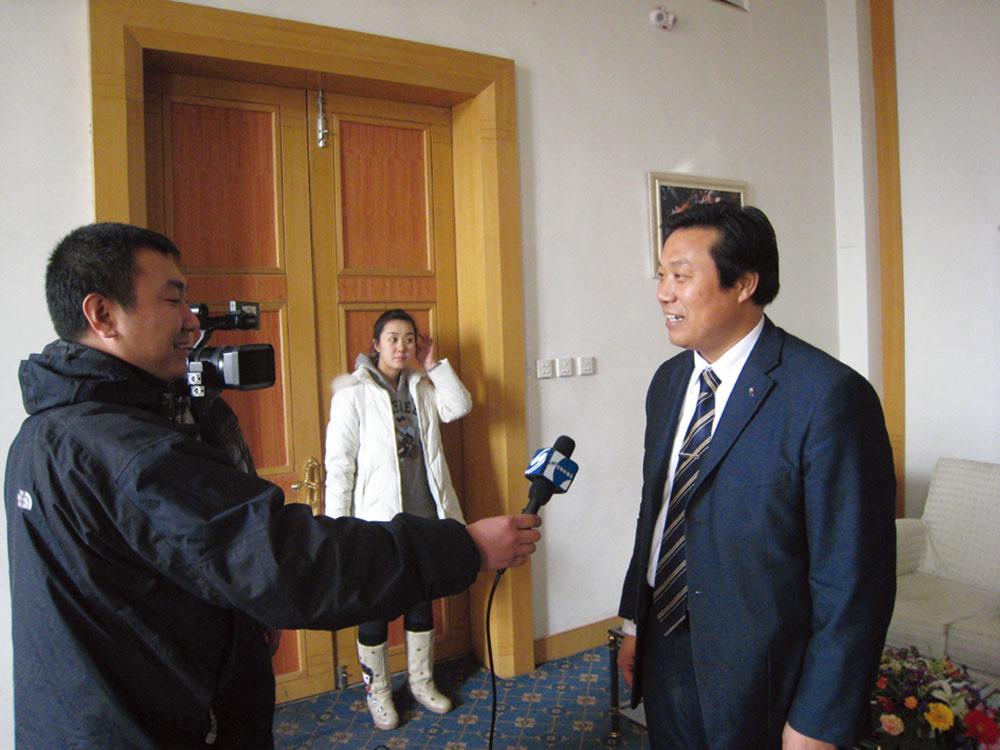 接受辽宁卫视的采访