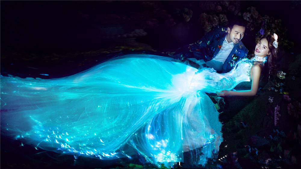 智能发光变色婚纱