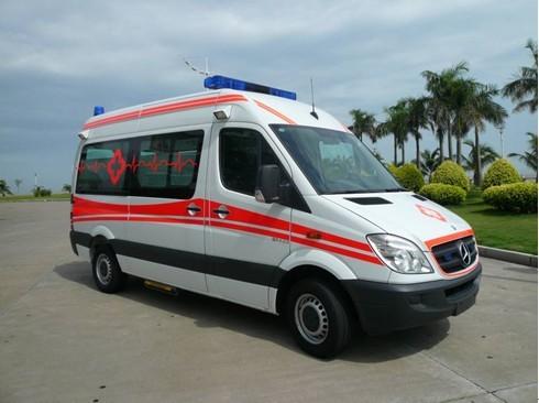 新世代全顺长轴中顶普通救护车
