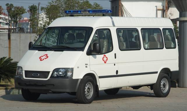 全顺系列新版长轴中顶普通救护车