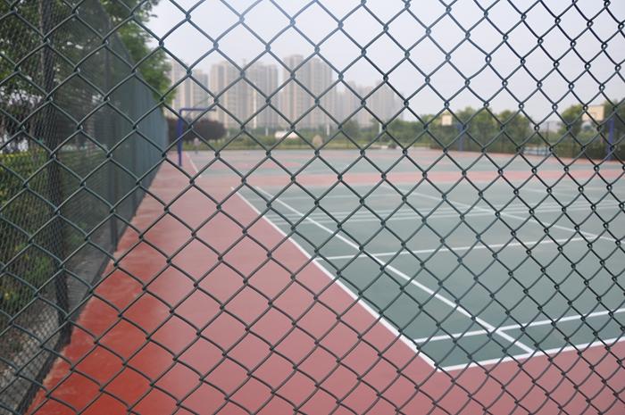须水河滨河公园硅PU球场及围网