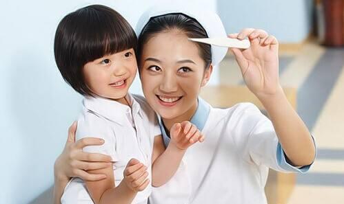 日本护士项目申请条件    ①要求全日制大专及以上学历,取得中国护士证,不超过30周岁    ②有一定的日语基础,最好达到N2。