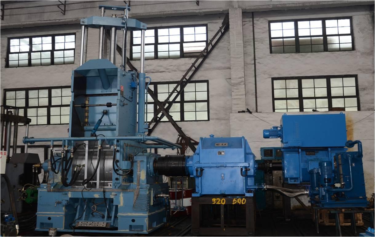 国内最大的密炼机生产企业益阳橡机集团生产的密炼机