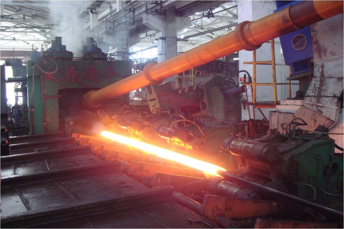 宝钢上海钢管厂160锥形穿孔机