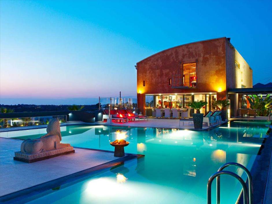 带独立游泳池的奢华希腊房产