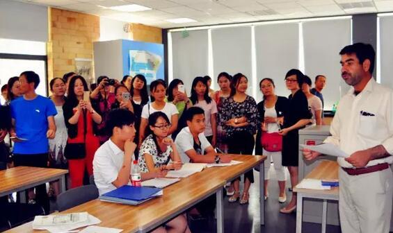 博爱学校小学部与府谷、周至两县开展教学研讨活动