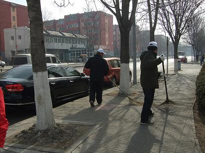 新洁环卫志愿服务队开展环境清扫志愿服务活动