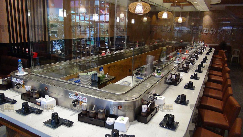 回转传送带在回转寿司店的应用图片