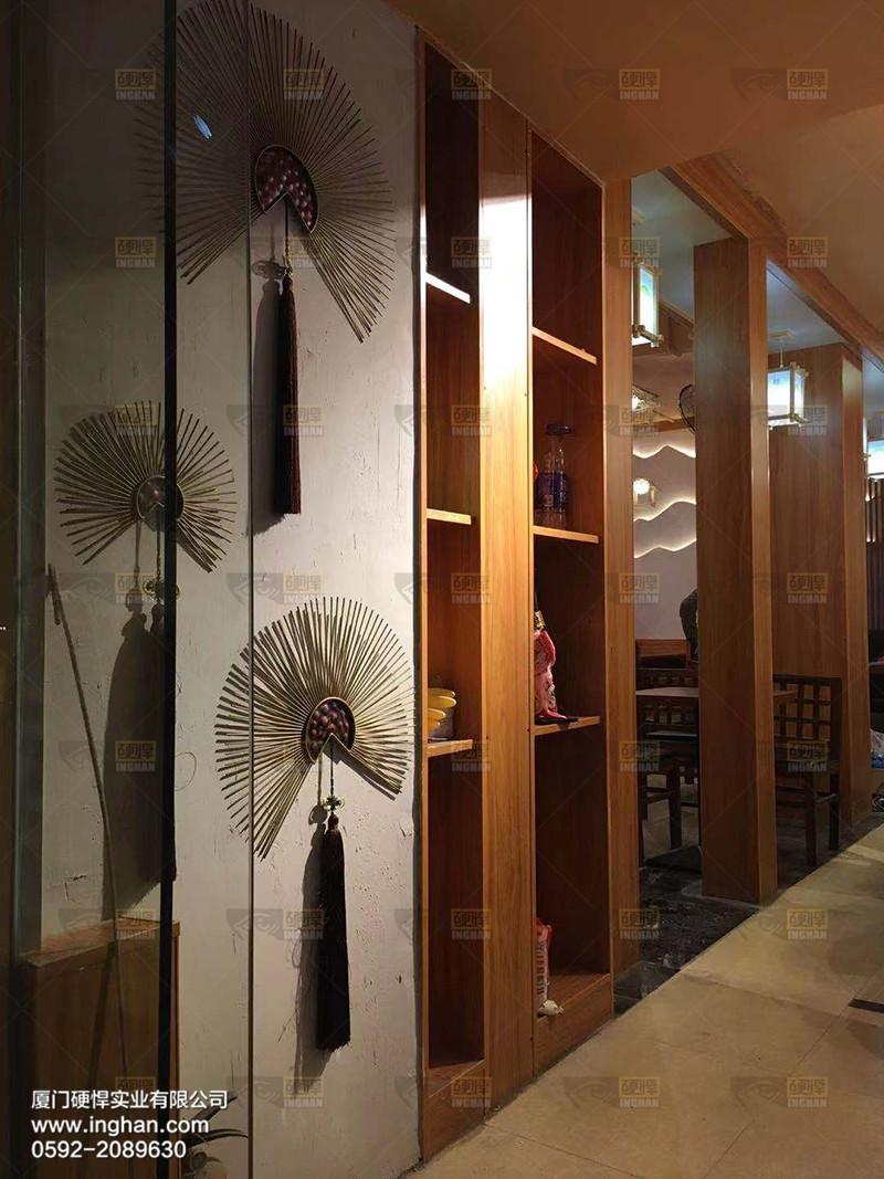 日本料理回转寿司餐厅图片